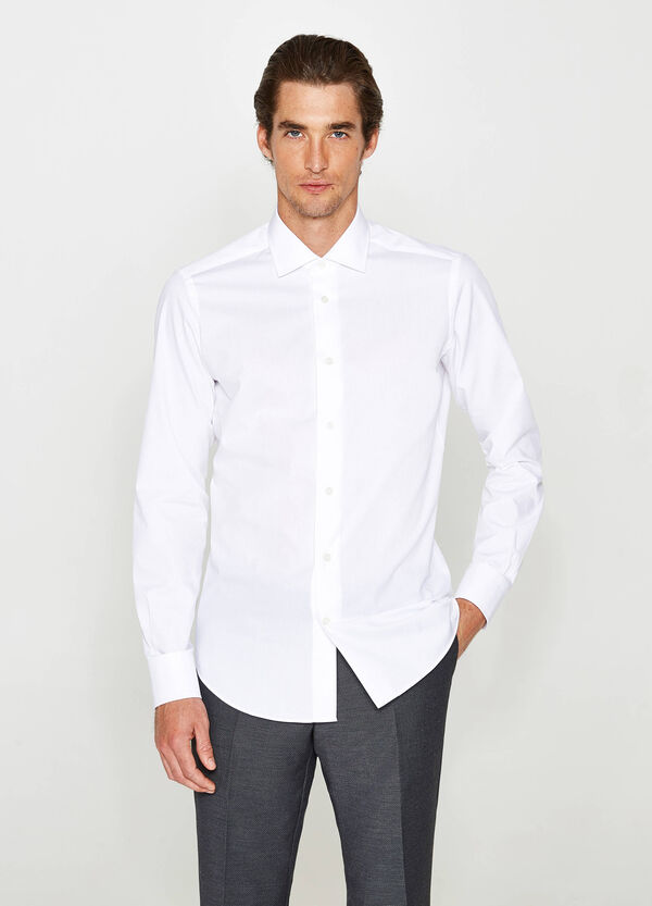 Slim-fit formal shirt with speckled weave
