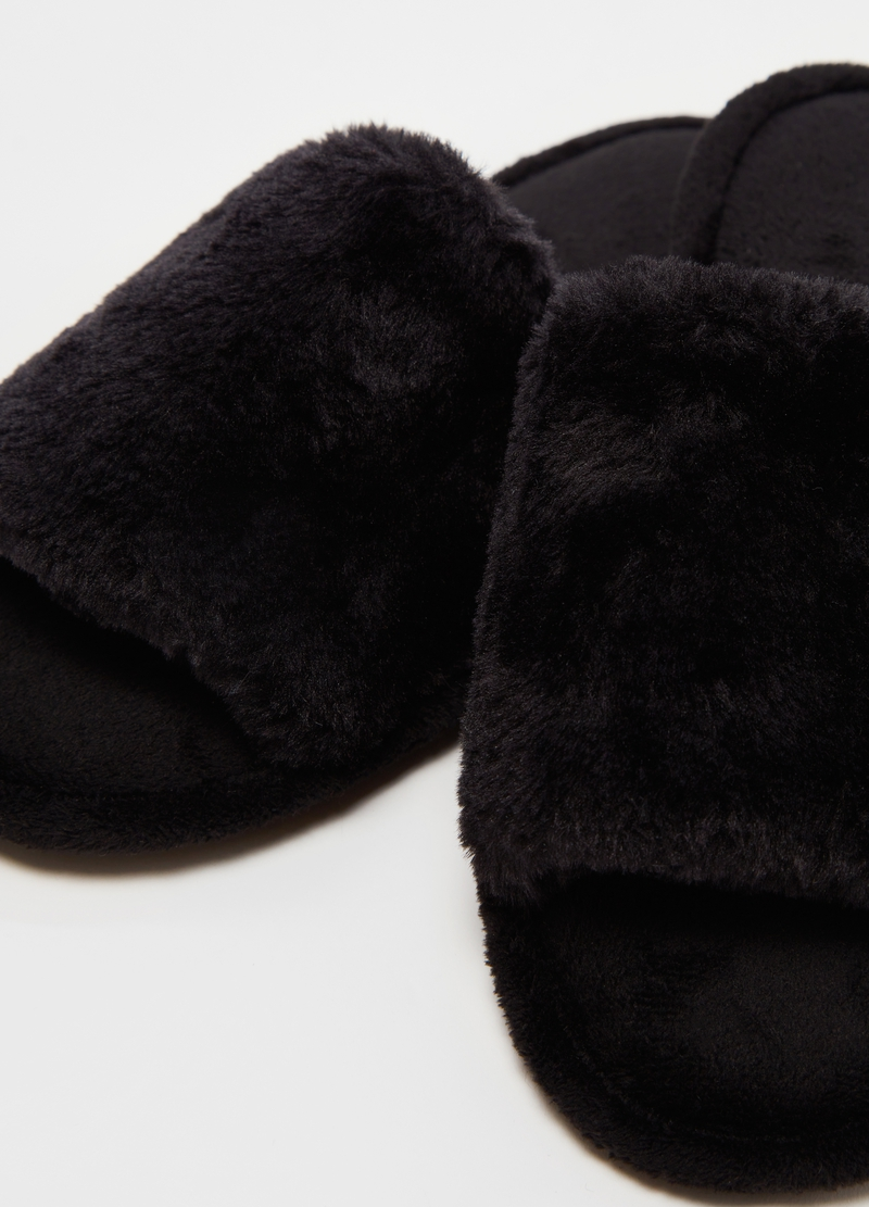 Faux fur slippers image number null
