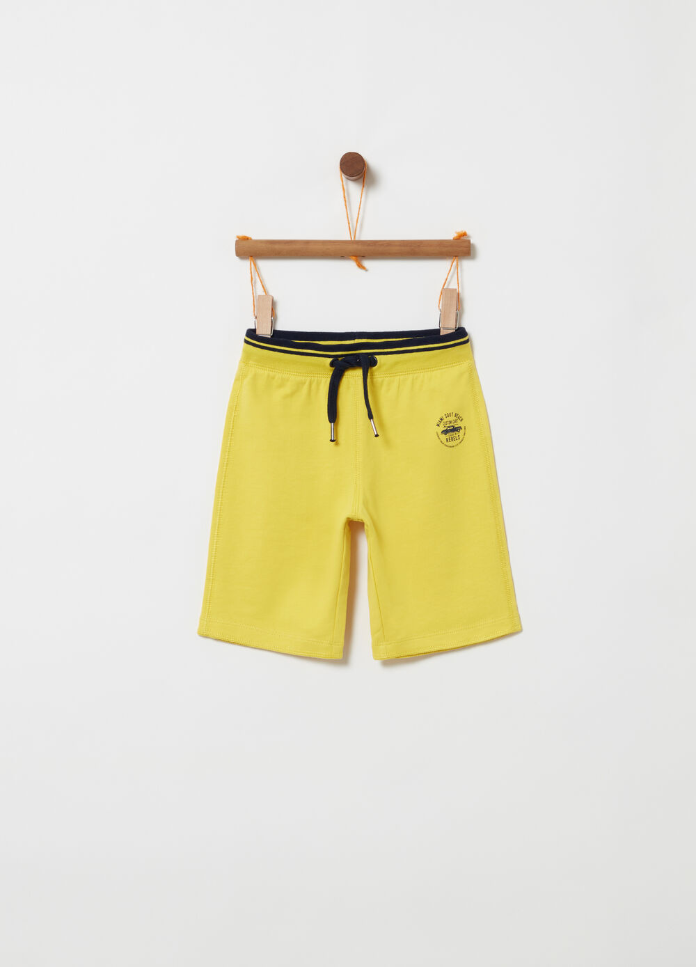 Lightweight fleece shorts with striped ribbing