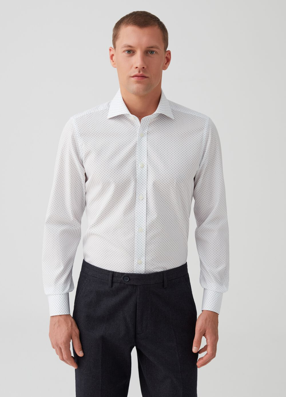 Slim-fit shirt with cut-away collar and print