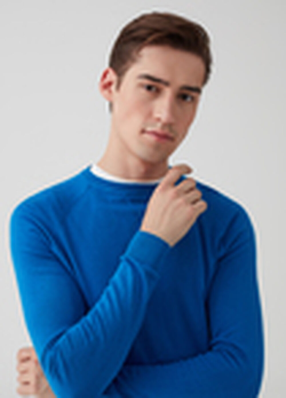 100% cotton pullover with neck detailing.