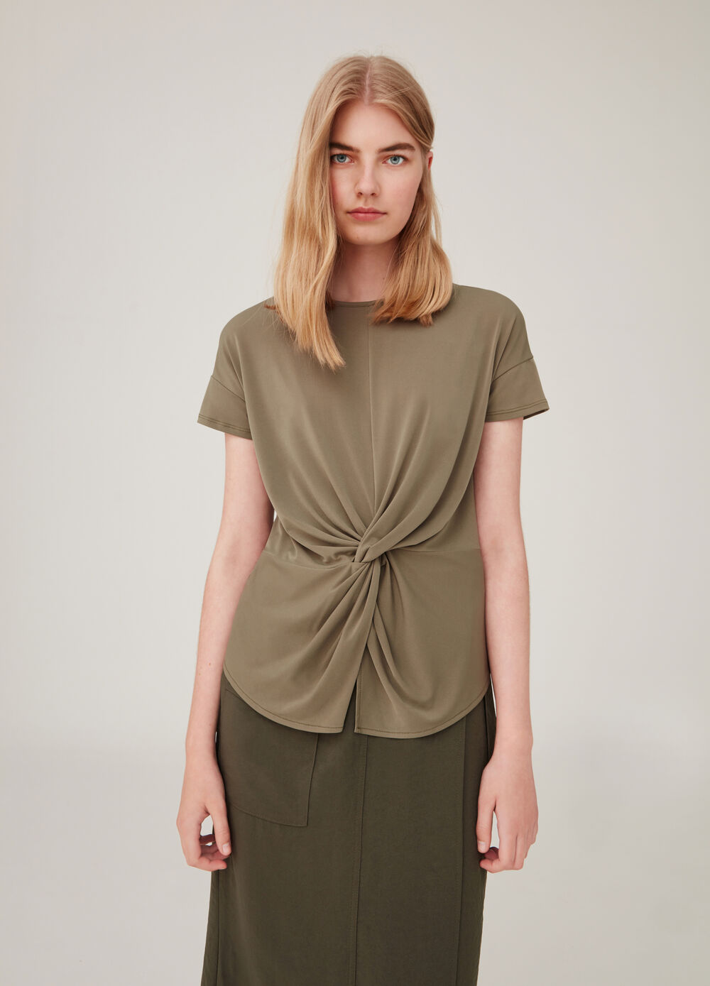 Solid colour stretch T-shirt with gathering