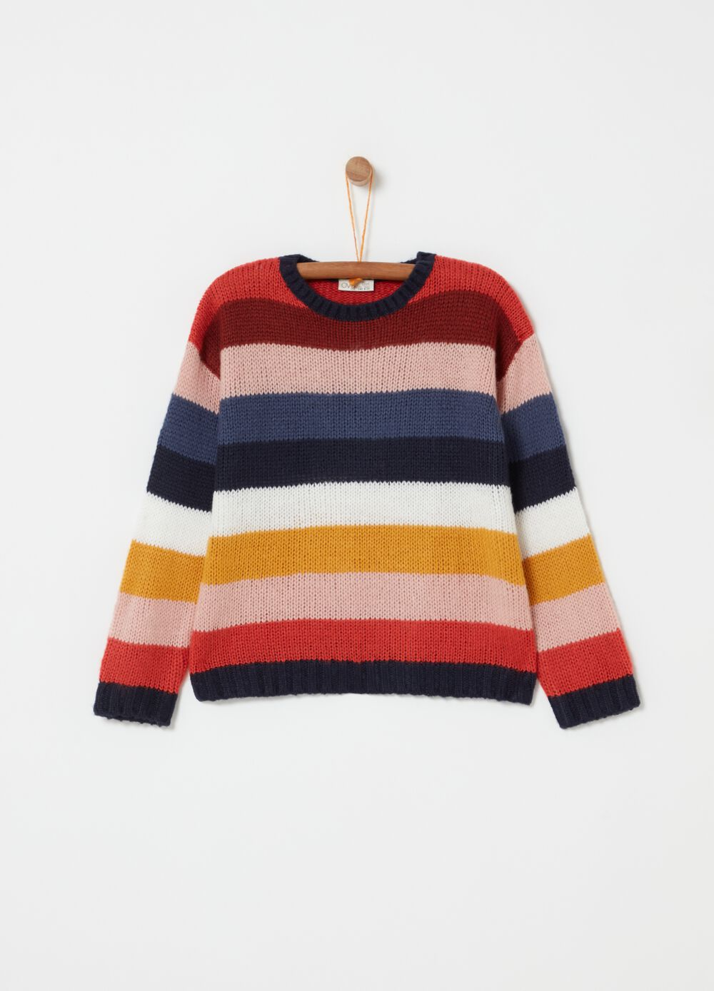 Top with round neck and striped pattern