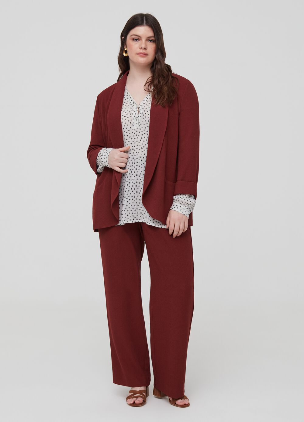 Curvy crêpe trousers with belt