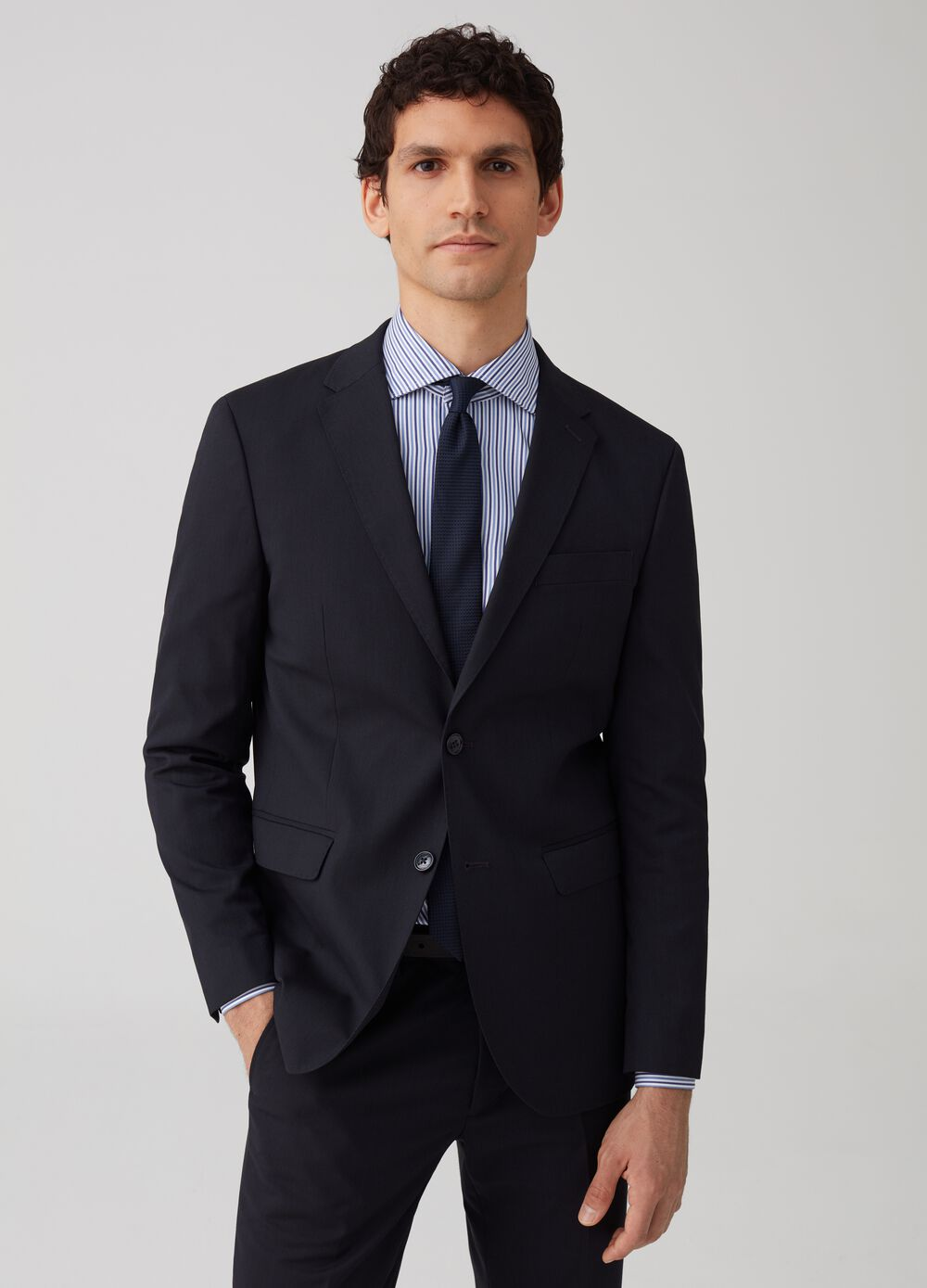 Regular-fit jacket with two-button pockets