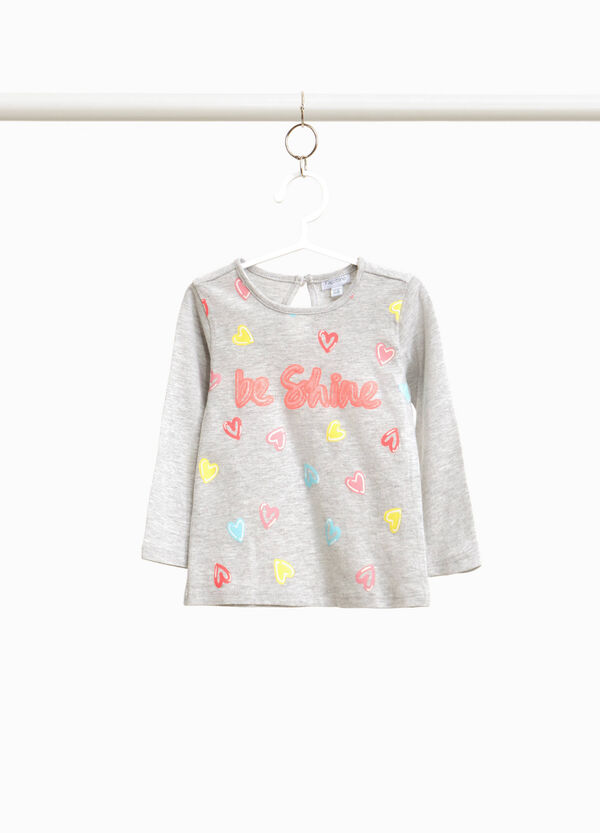 T-shirt with lettering print and heart pattern