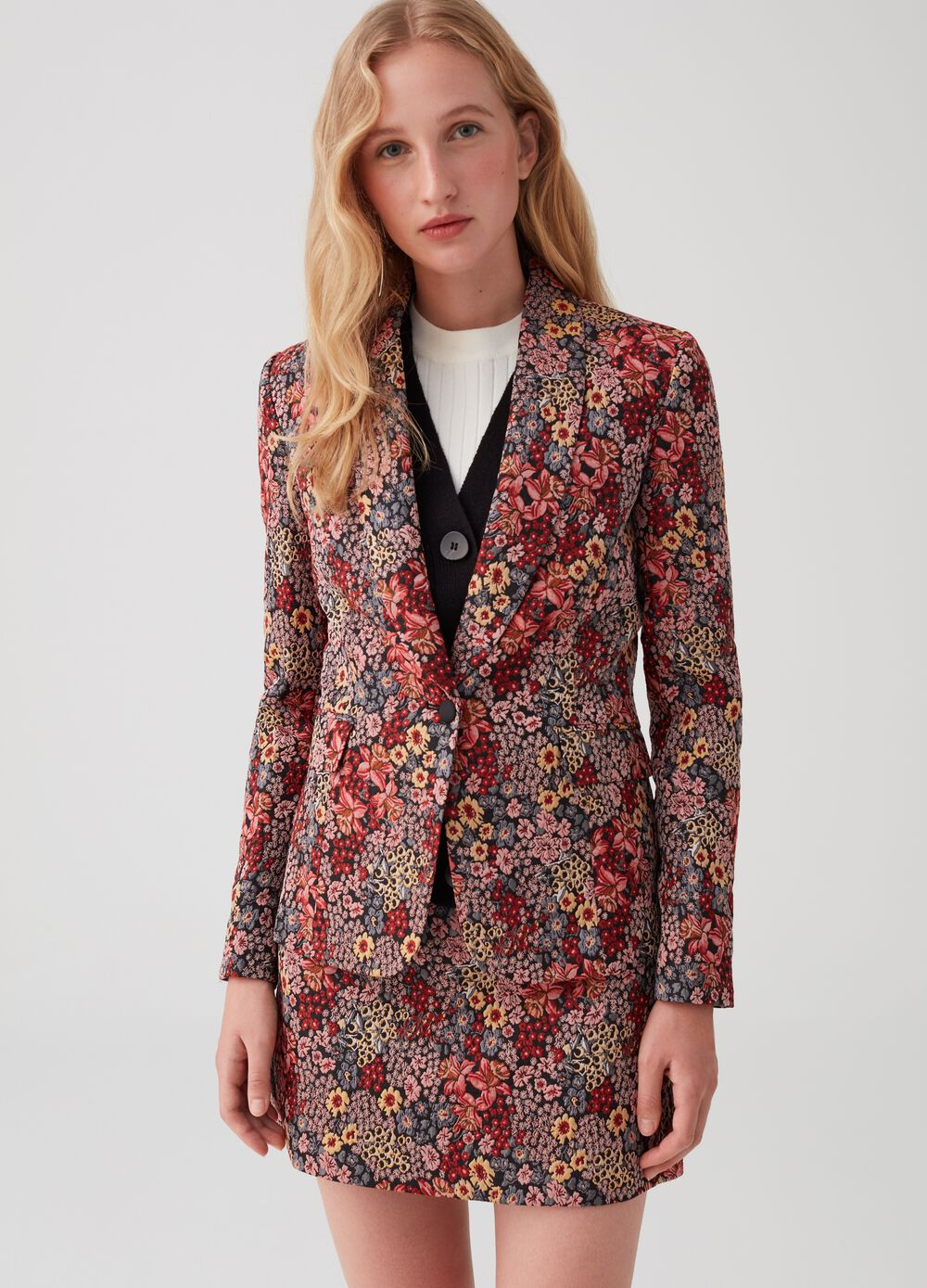 Fitted single-breasted blazer with floral jacquard