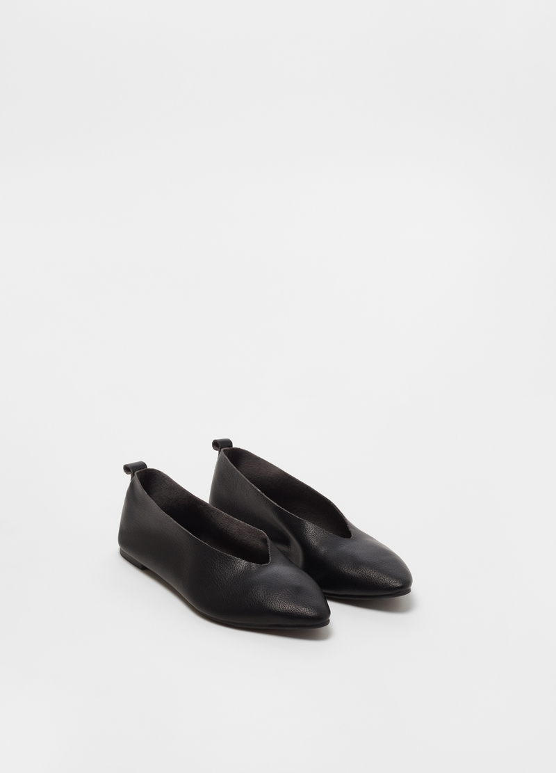Solid colour pointed ballerinas image number null