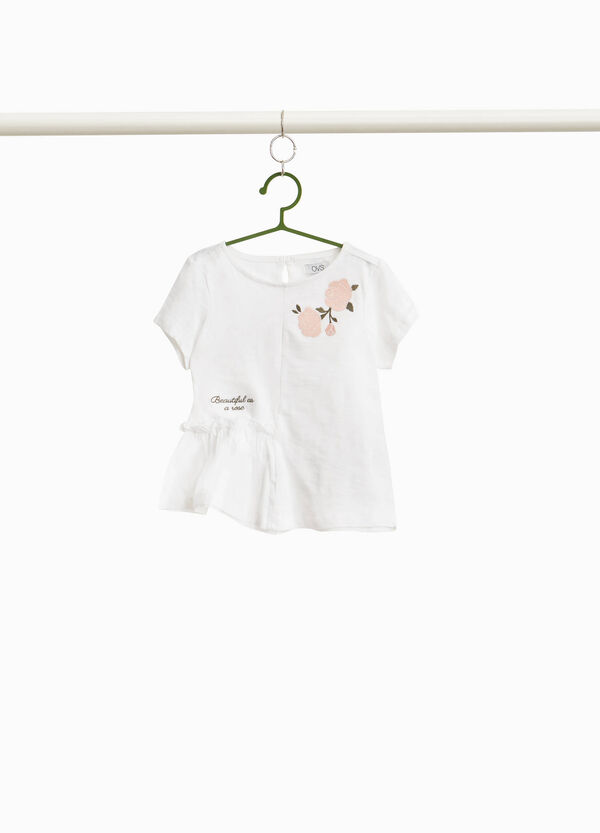 T-shirt with lettering and floral embroideries