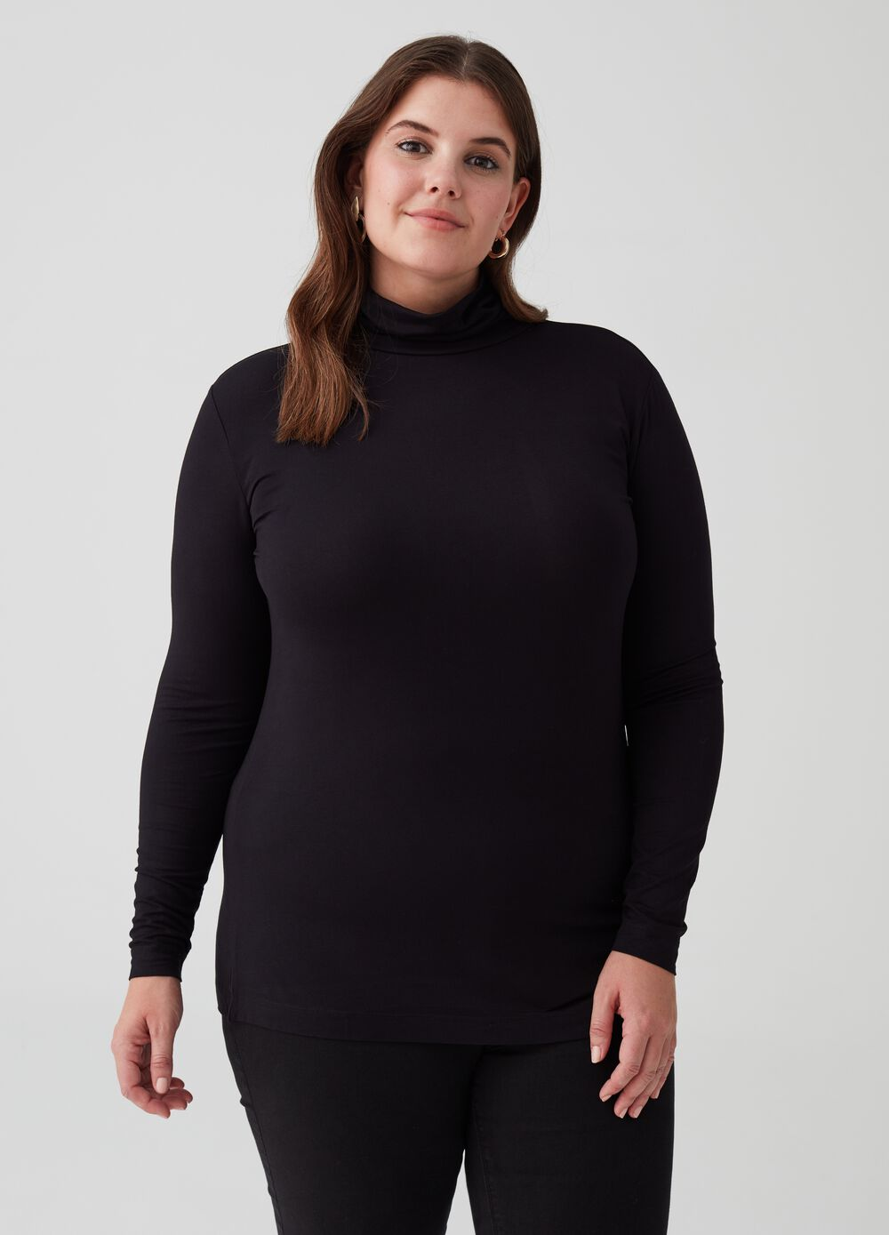 Curvy T-shirt with long sleeves and high neck