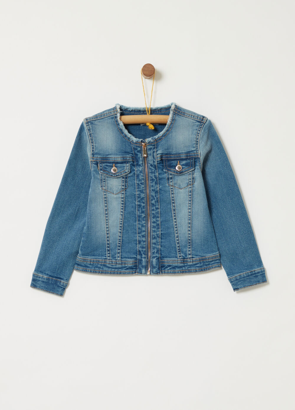 Denim jacket with pockets and zip