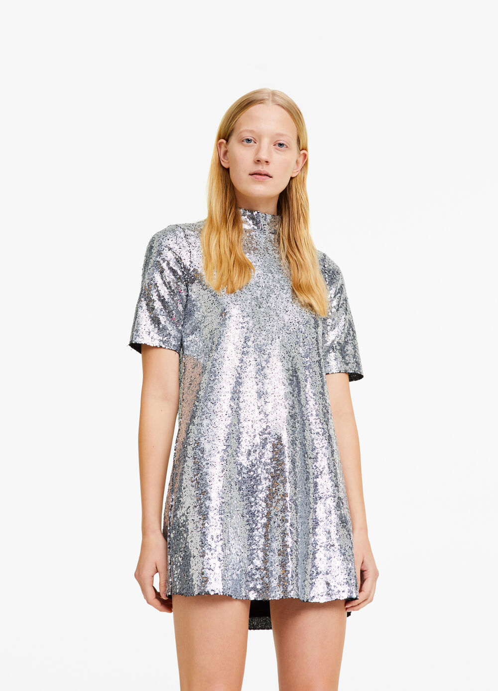 Dress with short sleeves and sequins