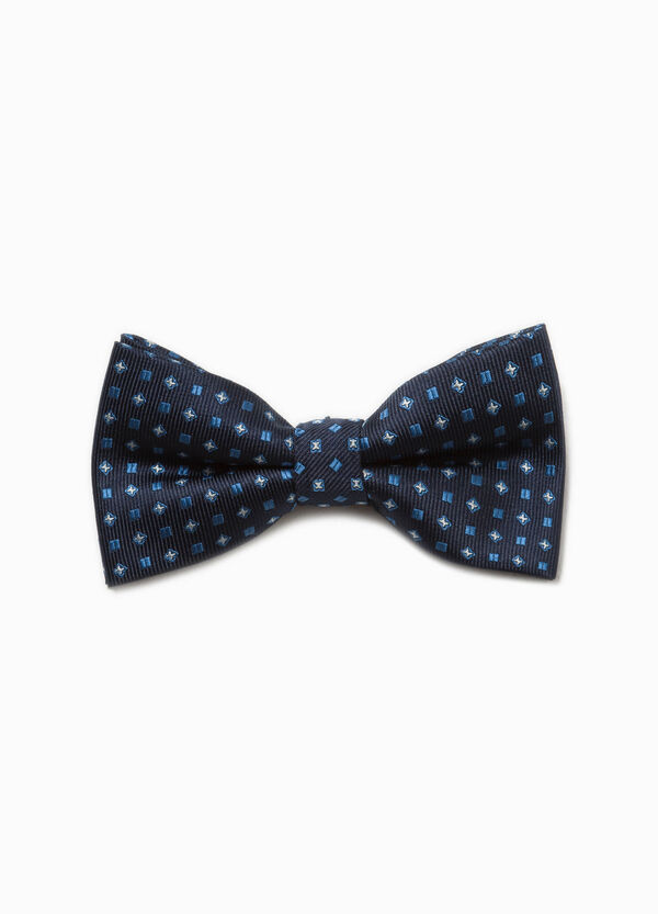 Patterned bow tie with striped weave