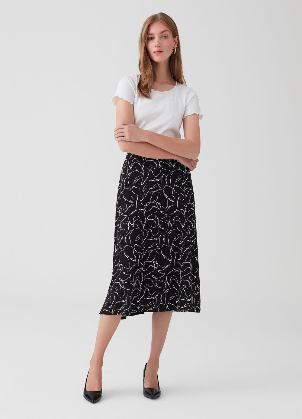 Patterned stretch skirt with geometric pattern