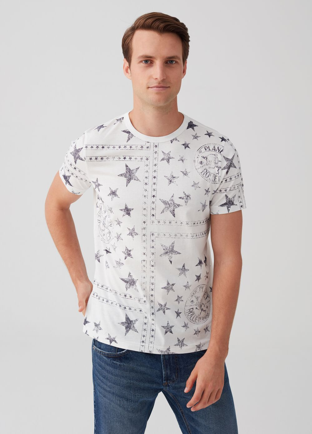 T-shirt with geometric and star pattern