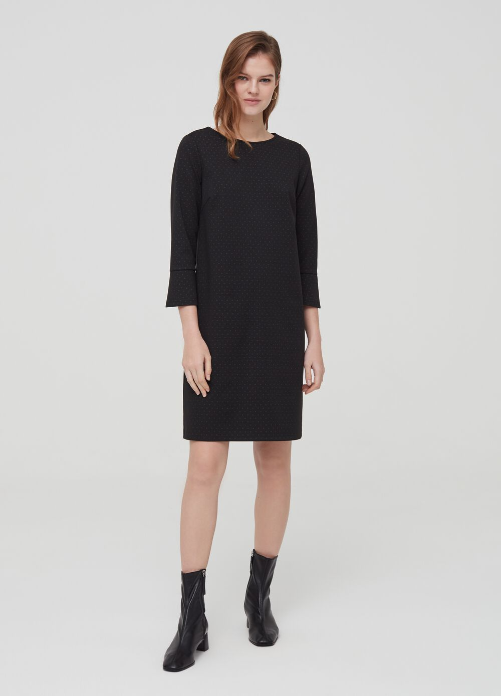 Dress with three-quarter sleeves and check pattern
