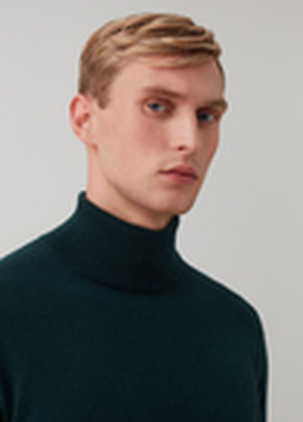 100% geelong wool turtleneck jumper