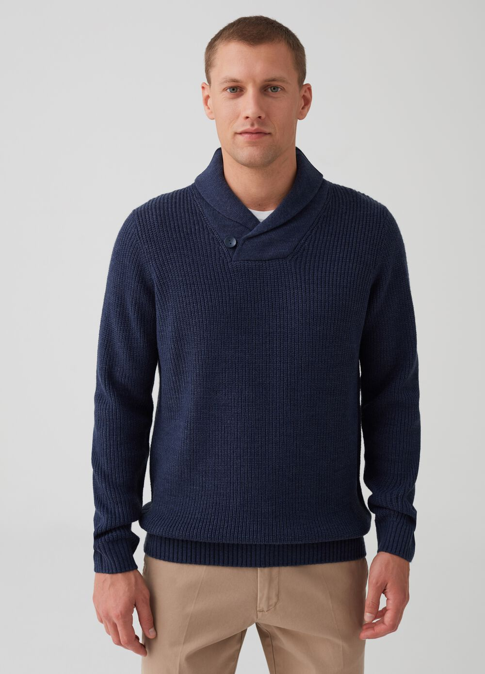 Top with shawl collar with button