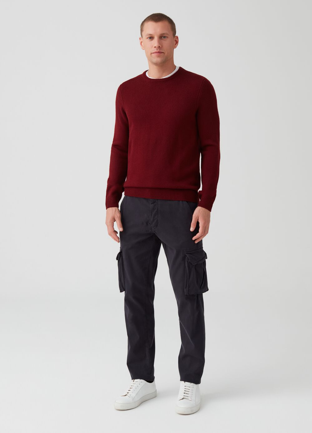 Solid colour slim-fit stretch cargo trousers.