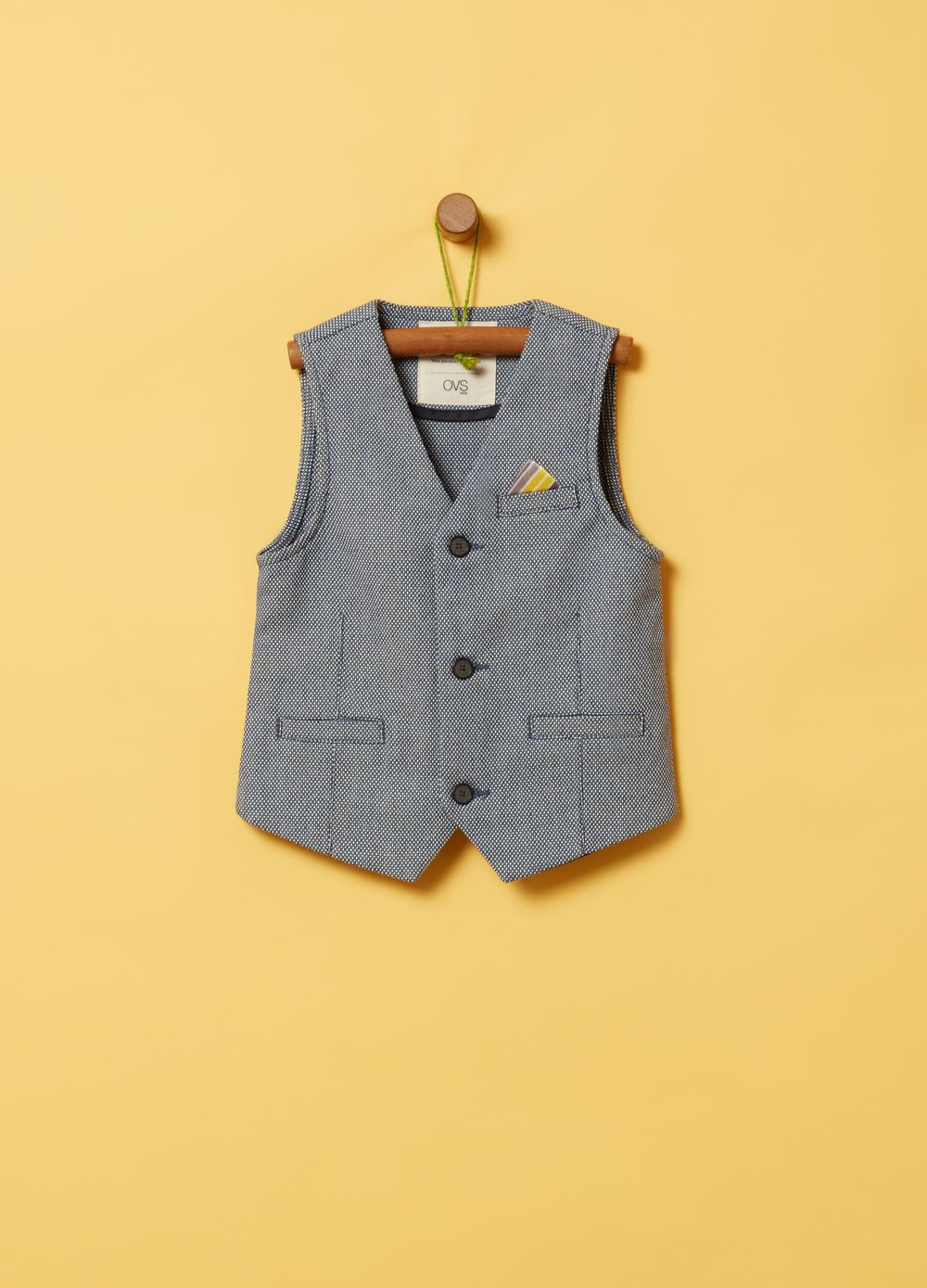 Fabric gilet with pockets