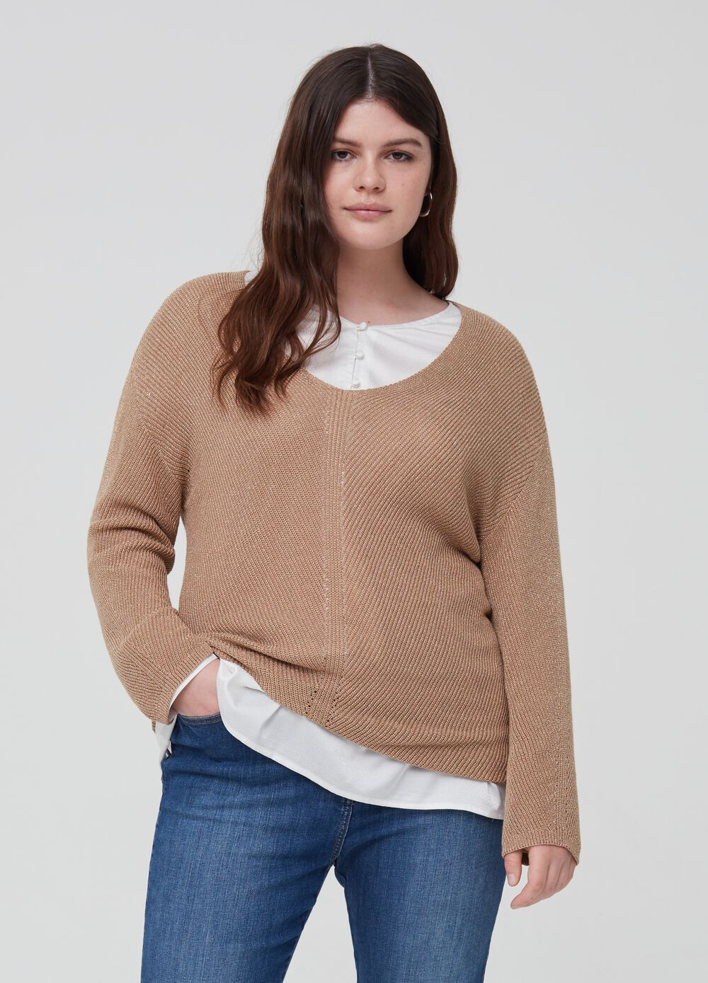 Curvy top with knitted lurex