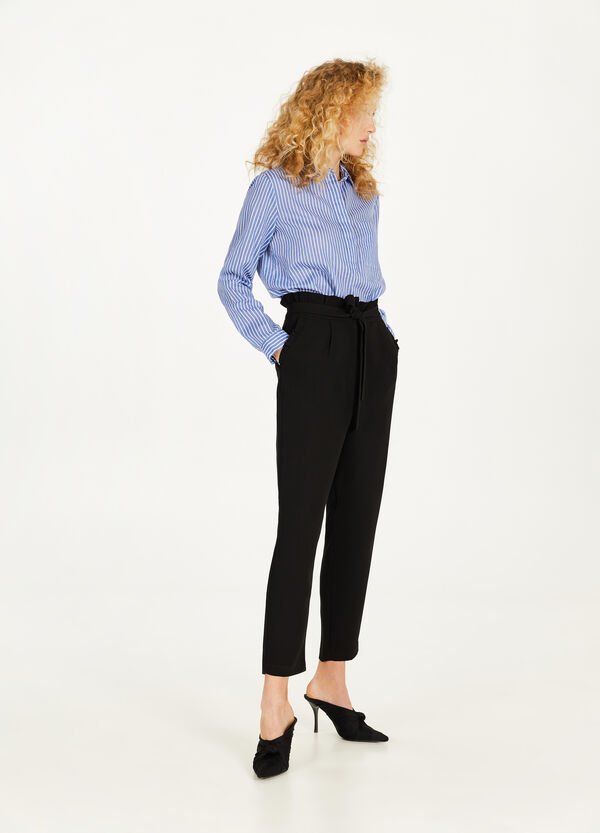 Trousers with flounce and drawstring