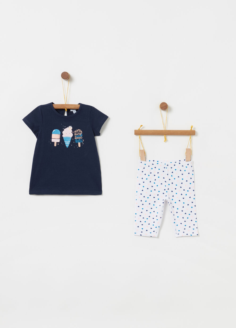 T-shirt and leggings jogging set with hearts pattern