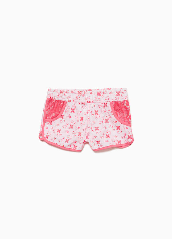 Lace shorts with contrasting embroidery