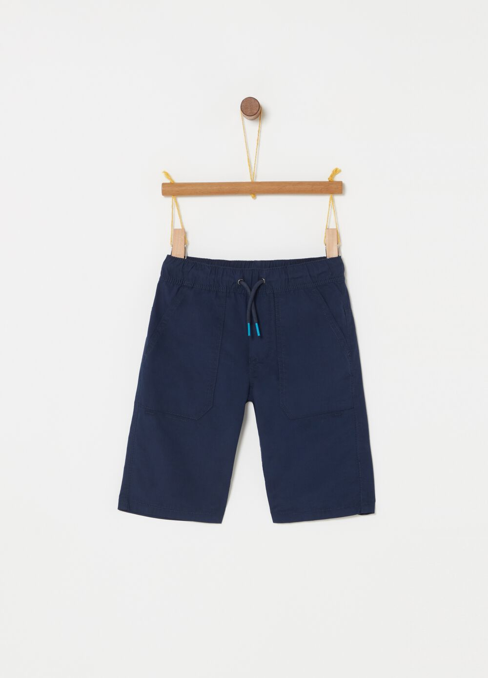 Poplin shorts with functional pockets