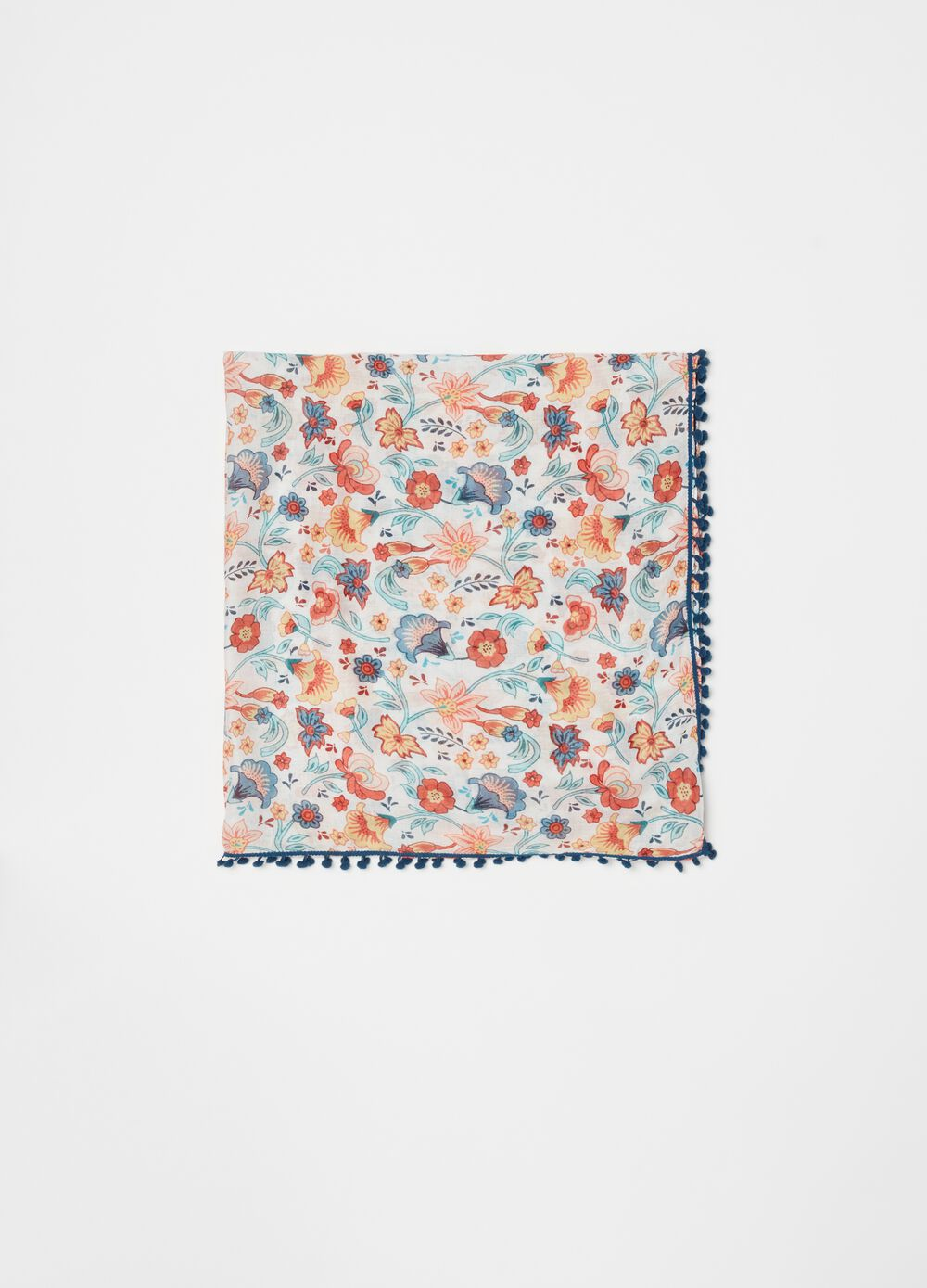 100% viscose foulard with all-over print