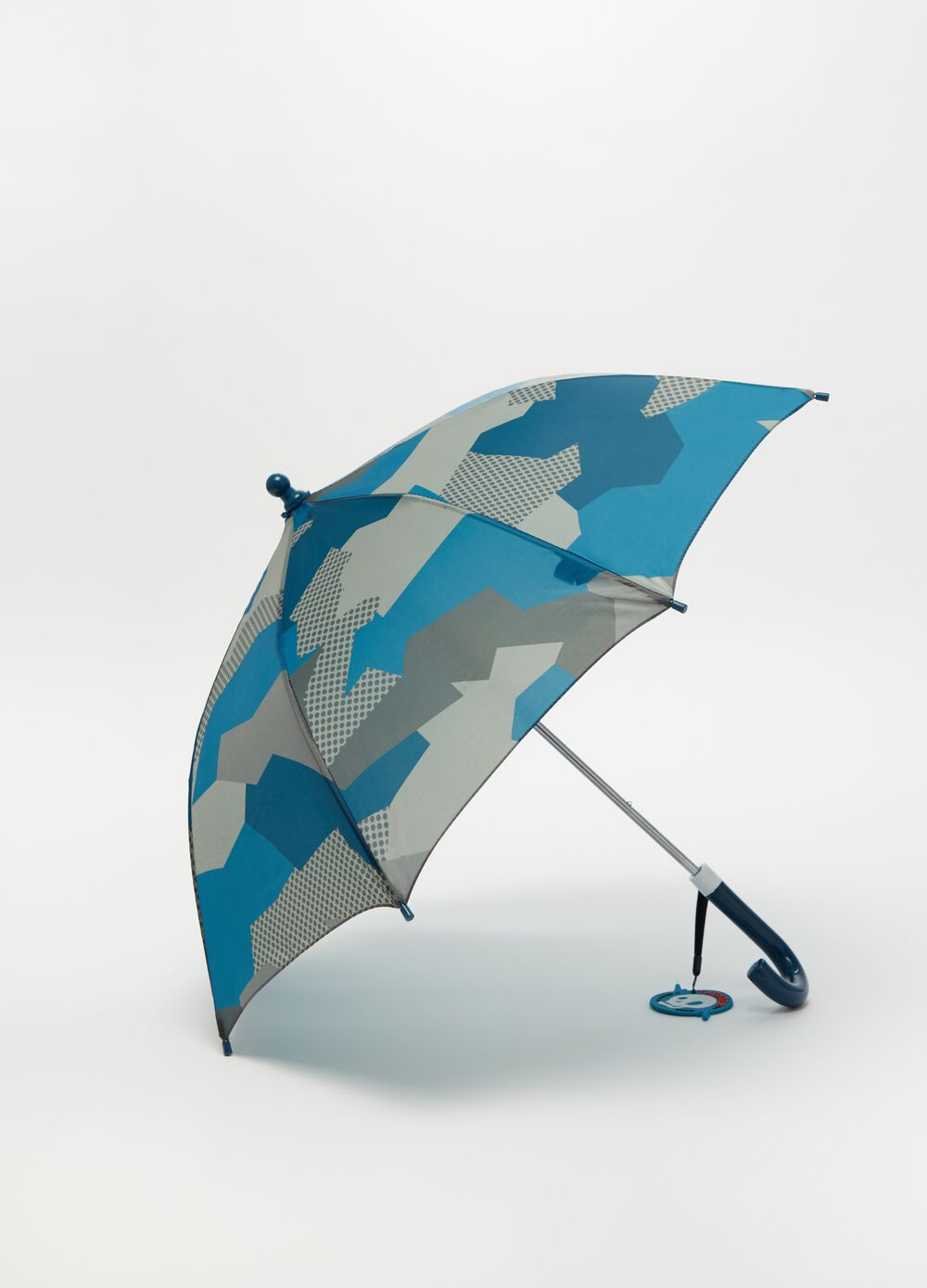 Umbrella with camouflage pattern