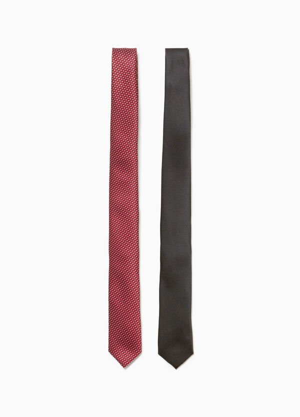 Two-pack ties with geometric pattern