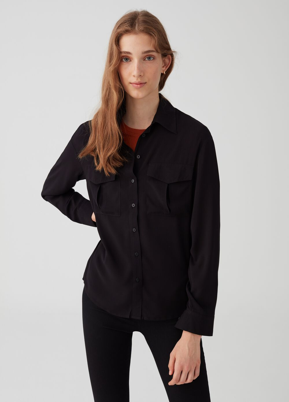 100% viscose shirt with pockets with flap