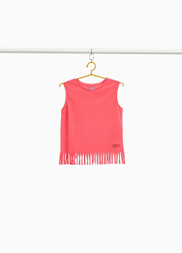 Solid colour top with fringed hem