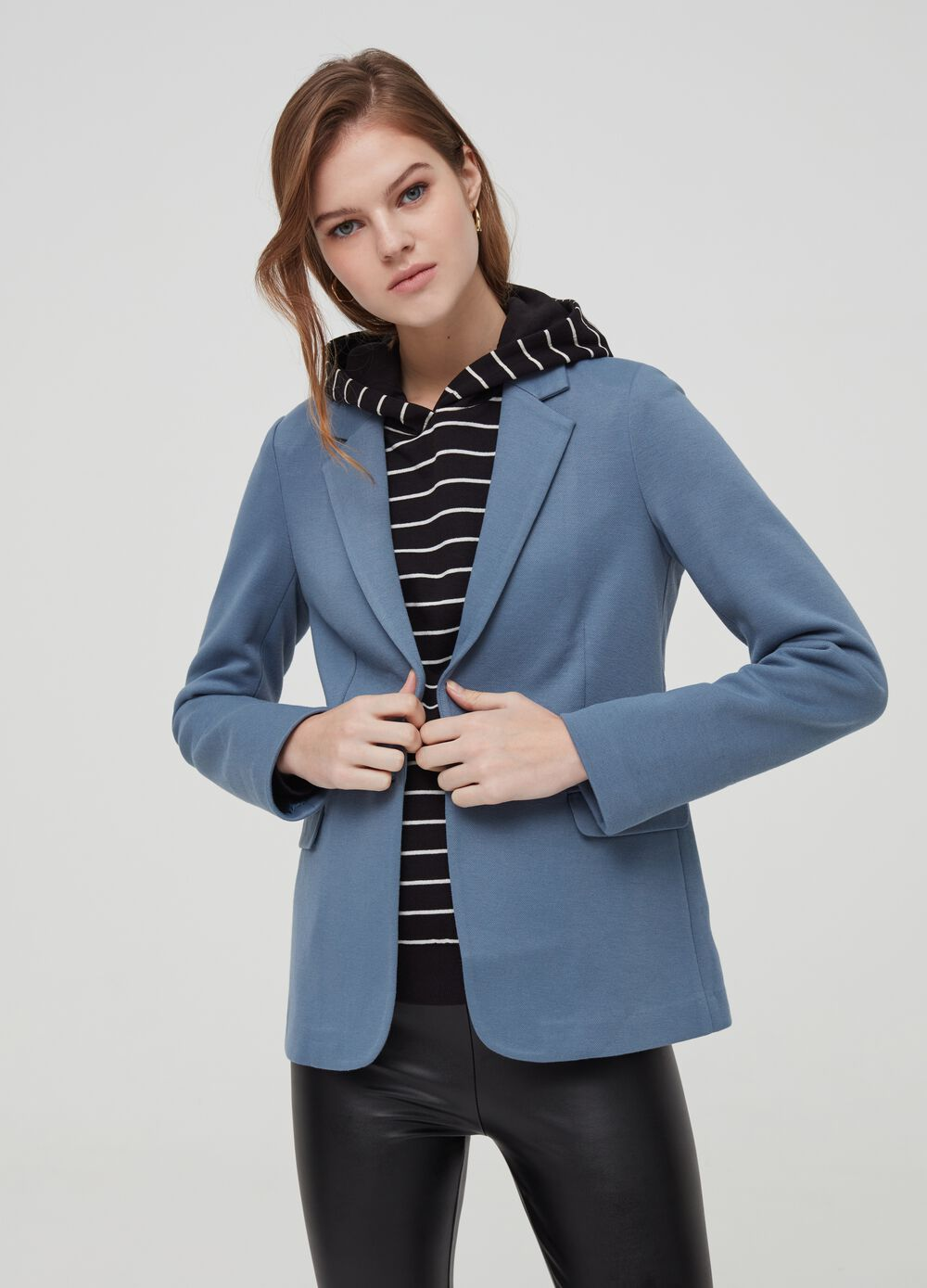 Single-breasted blazer with lapels
