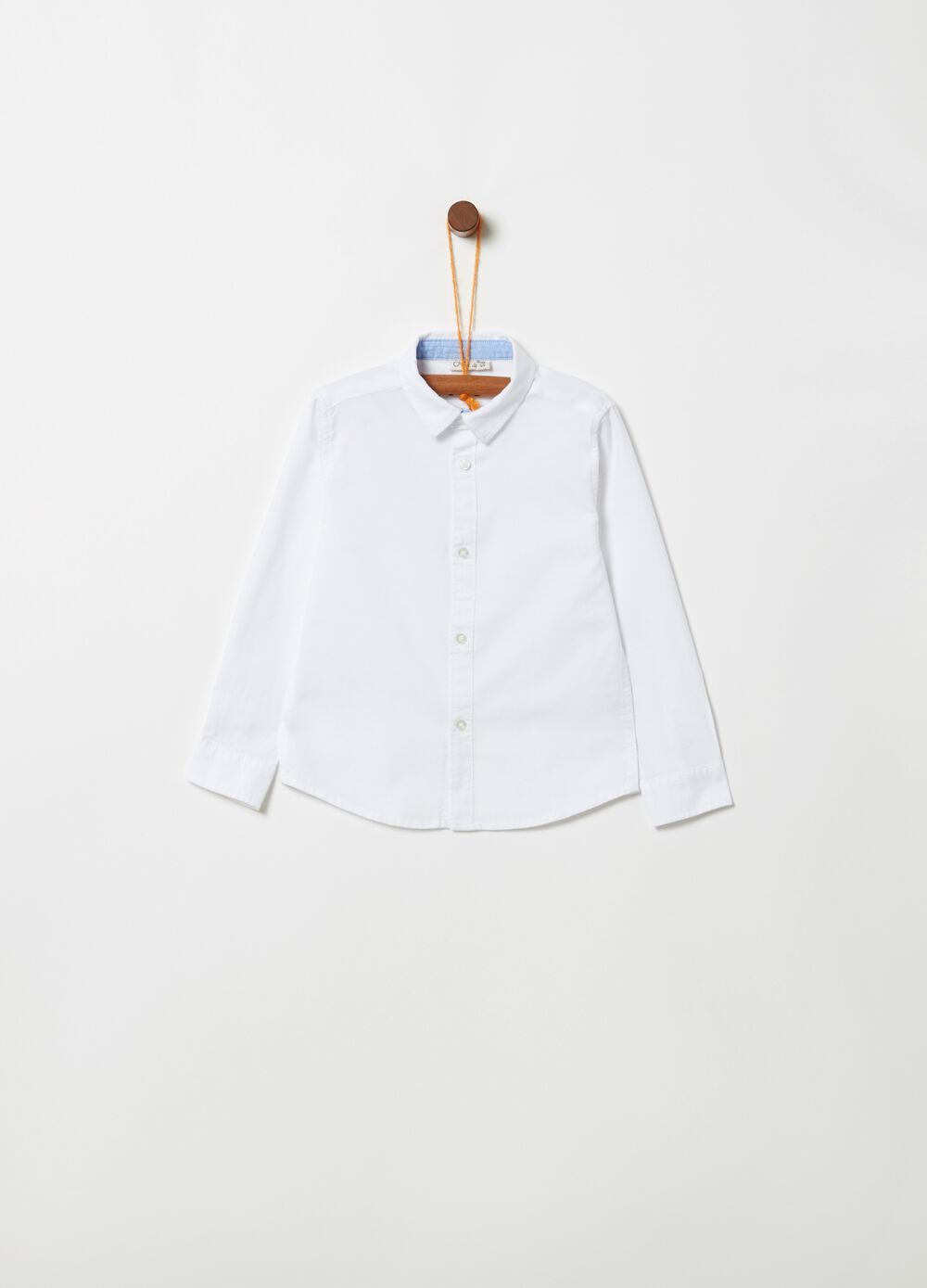 Shirt with bluff collar and buttons