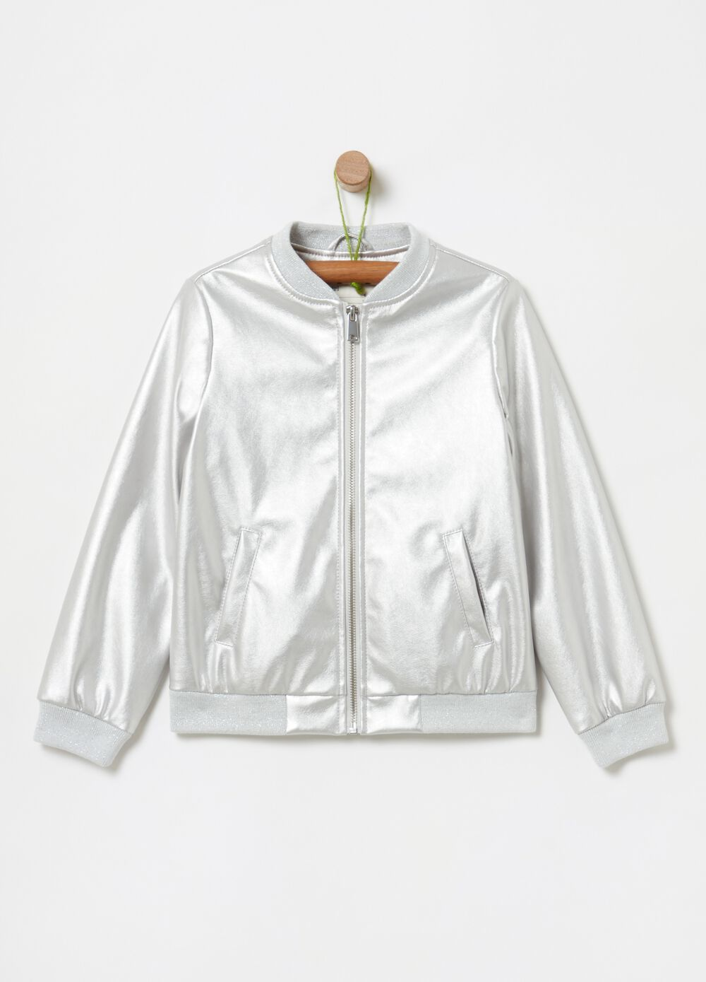 Patent-effect jacket with zip