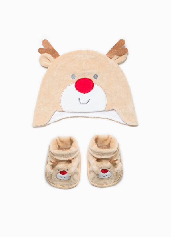 Hat with ears and shoes set
