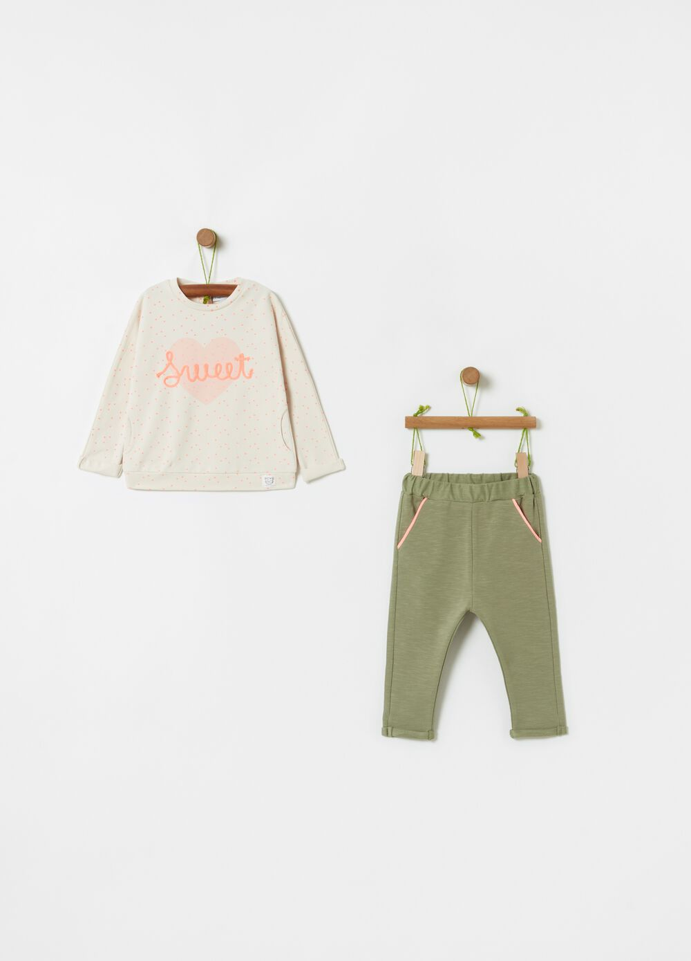 Sweatshirt and trousers set in organic cotton