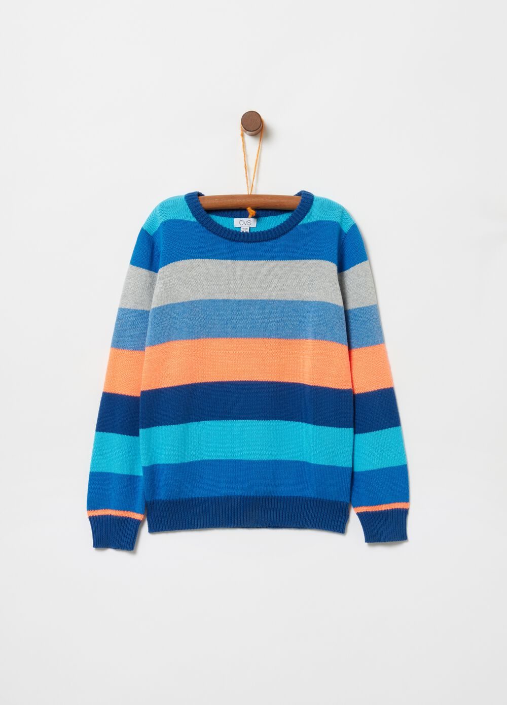 Crazy stripes knitted top with round neck