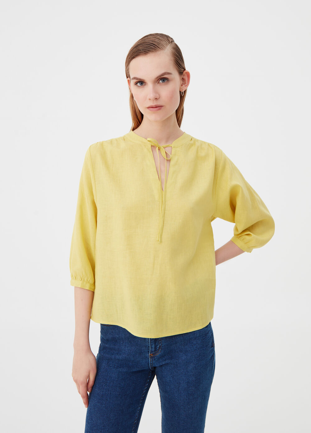 Blusa in lino e viscosa con laccetto