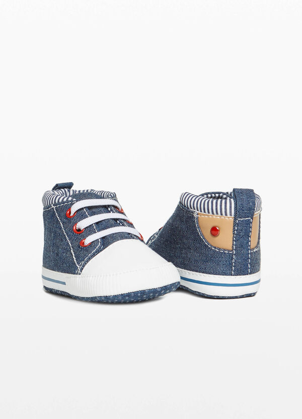 Canvas sneakers with striped top edge