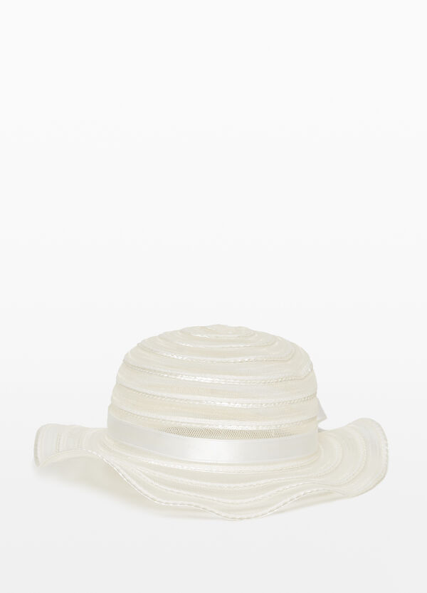 Wavy mesh hat with wide brim