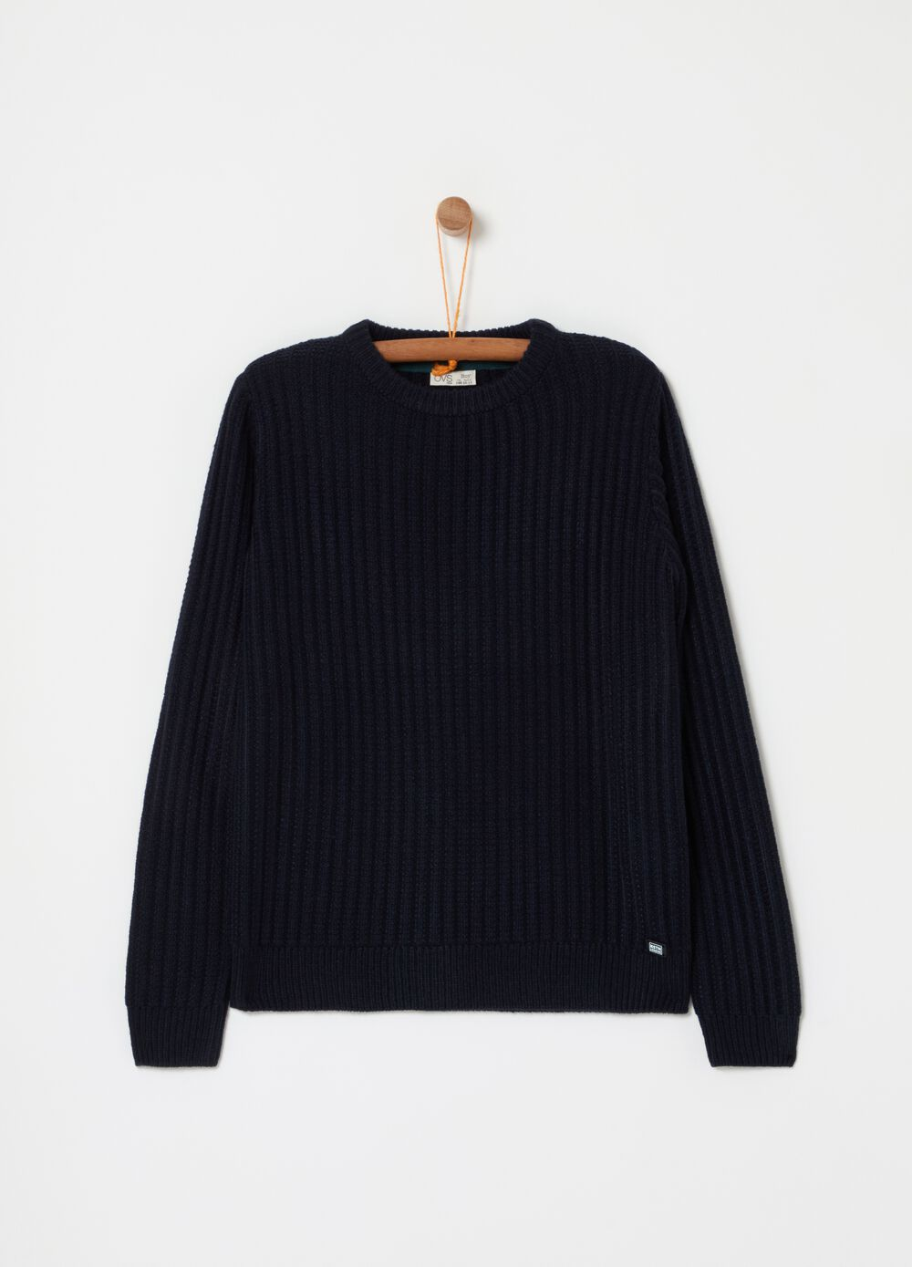 Solid colour knitted pullover with round neckline