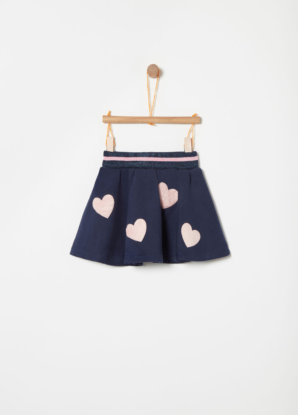 Fleece skirt with heart applications