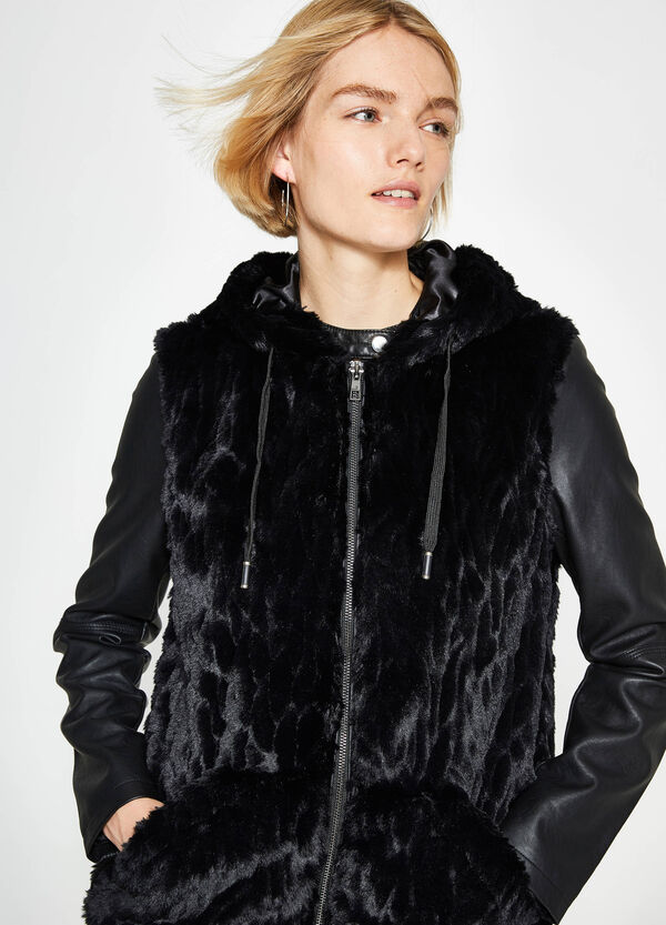 Faux fur gilet with hood | OVS