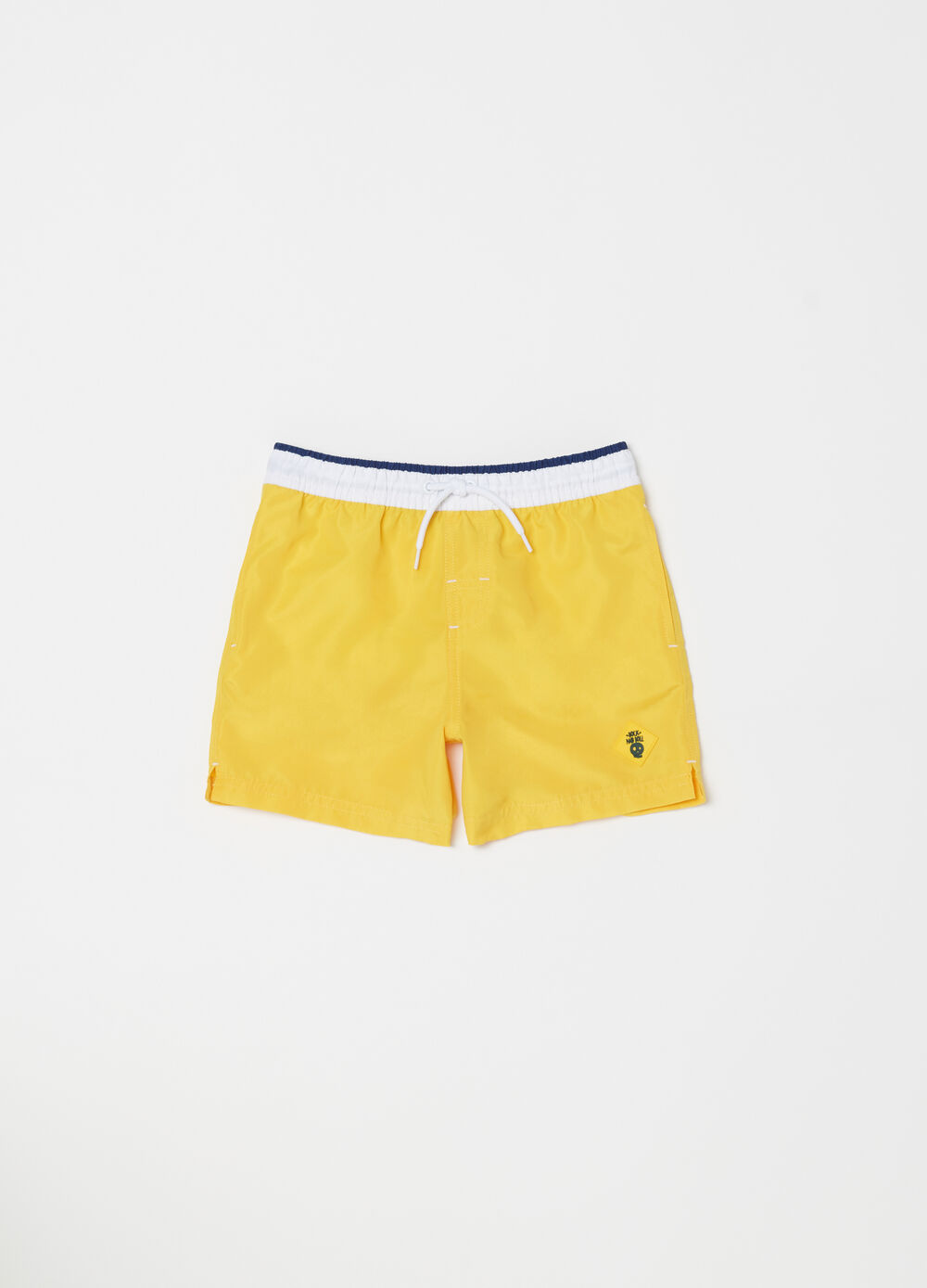 Beach shorts with patch and drawstring