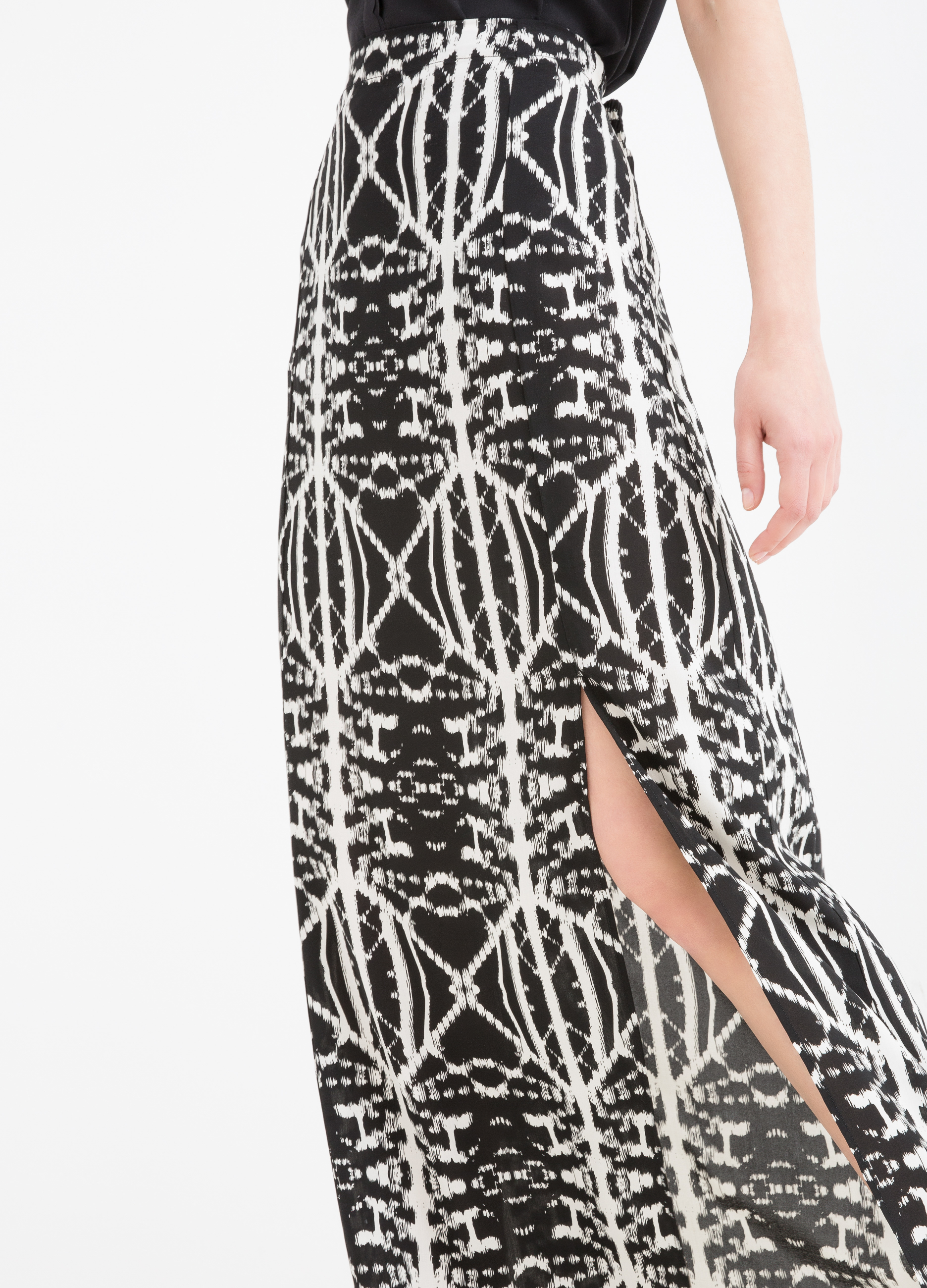 Long patterned skirt in 100% viscose | OVS