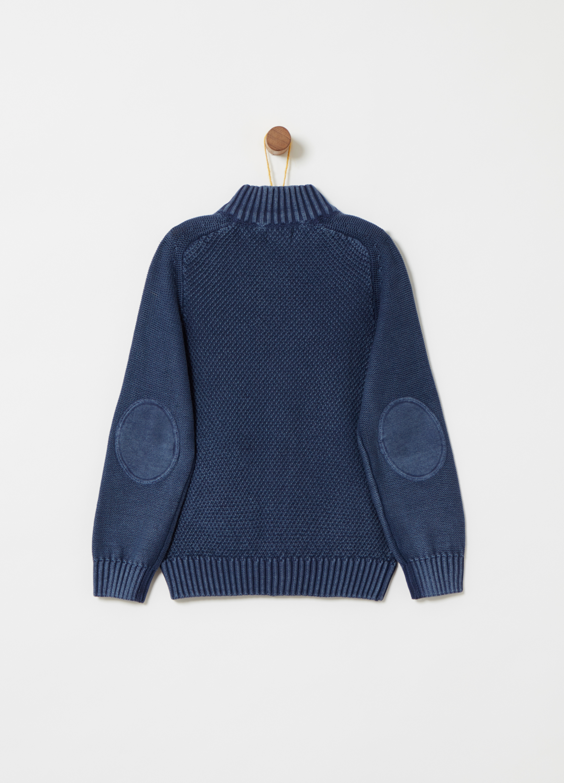 7e6c0ed75041 Knitted cardigan with raglan sleeves and pockets